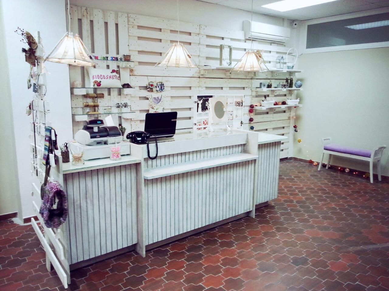 Muebles Para Baño Hechos Con Palets: de palets para Tienda Biocosmetics en Granollers – Muebles Hechos con
