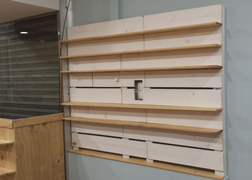 Muebles hechos con palets y madera natural a medida para - Muebles en palets de madera ...
