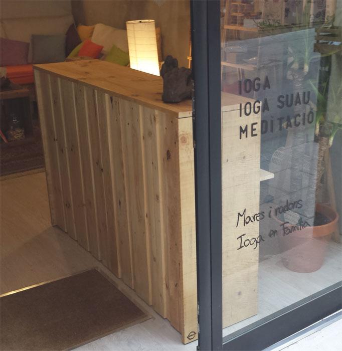 Mostradores de madera para tiendas 6 ideas low cost - Mostradores para negocio ...