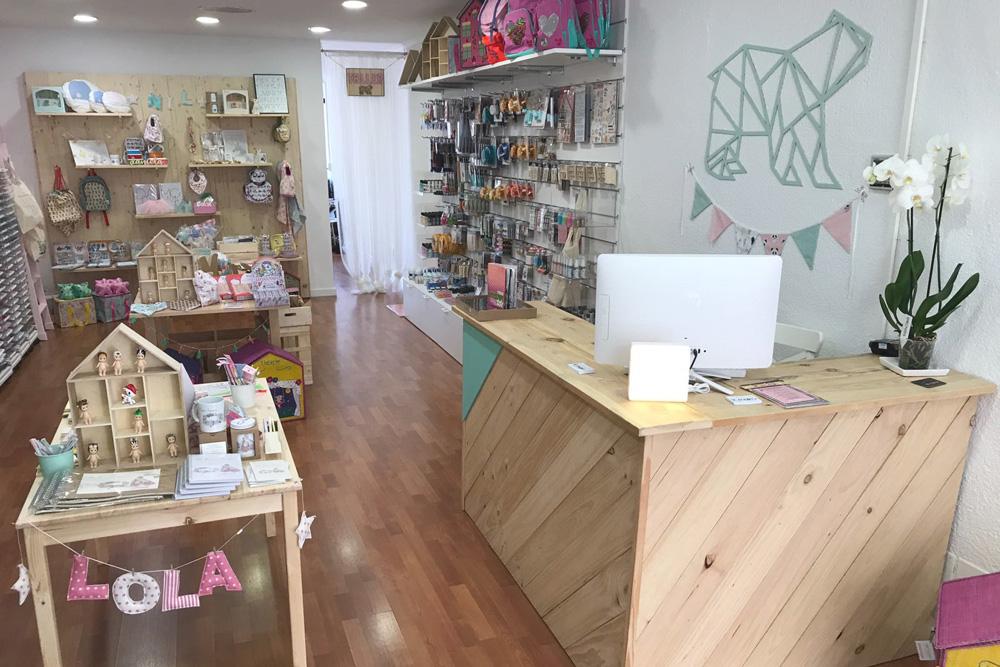 Mostradores de madera para tiendas mind made for Muebles de palets precio