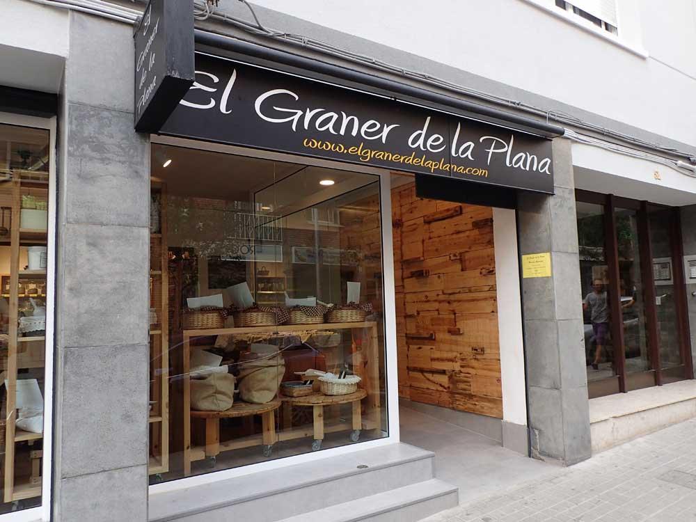 Muebles de madera de pino natural para tienda ecol gica y a granel en barcelona - Muebles de madera natural ...